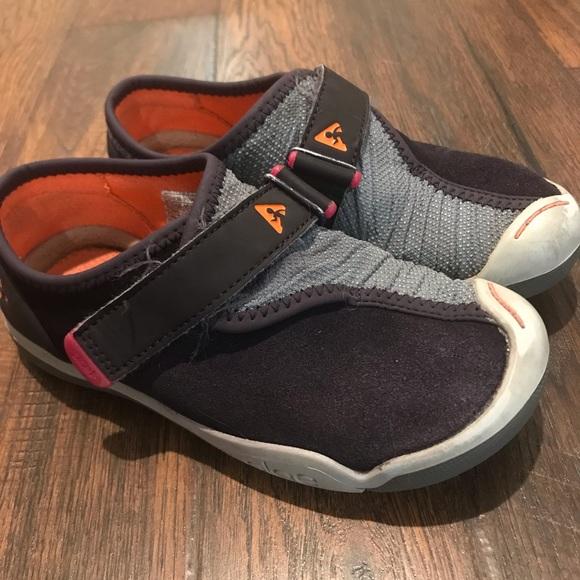 plae kids shoes